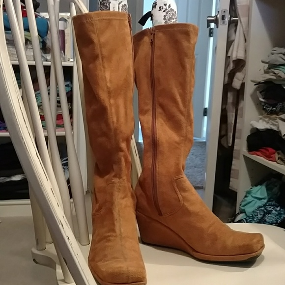Kenneth Cole Reaction Shoes - Kenneth Cole suede wedge boots